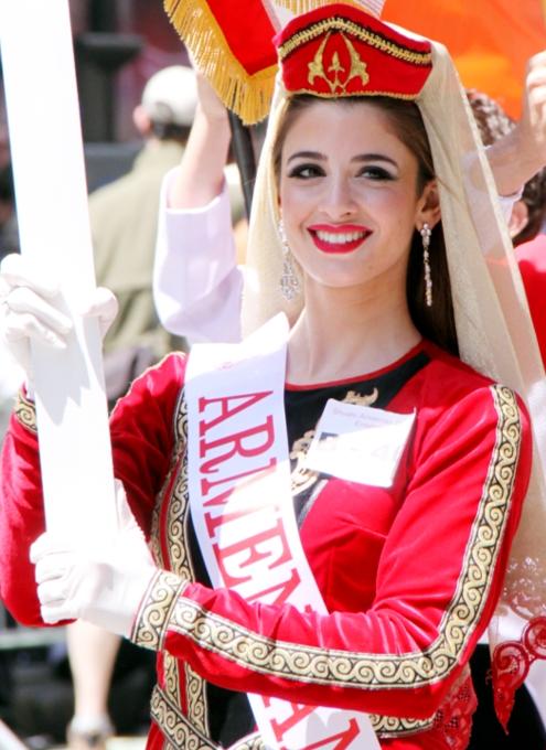 NYダンス・パレード特集「アルメニア人=美人多い」_b0007805_2103830.jpg