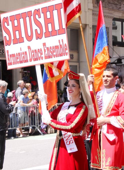 NYダンス・パレード特集「アルメニア人=美人多い」_b0007805_2112718.jpg