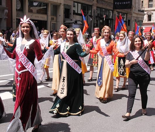NYダンス・パレード特集「アルメニア人=美人多い」_b0007805_2113854.jpg