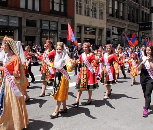 NYダンス・パレード特集「アルメニア人=美人多い」_b0007805_2114998.jpg