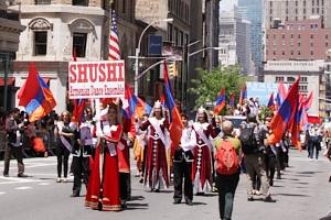 NYダンス・パレード特集「アルメニア人=美人多い」_b0007805_211566.jpg