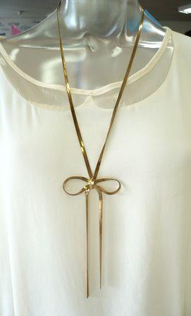 ネックレスとか、バッグとか。_c0170520_1342560.jpg