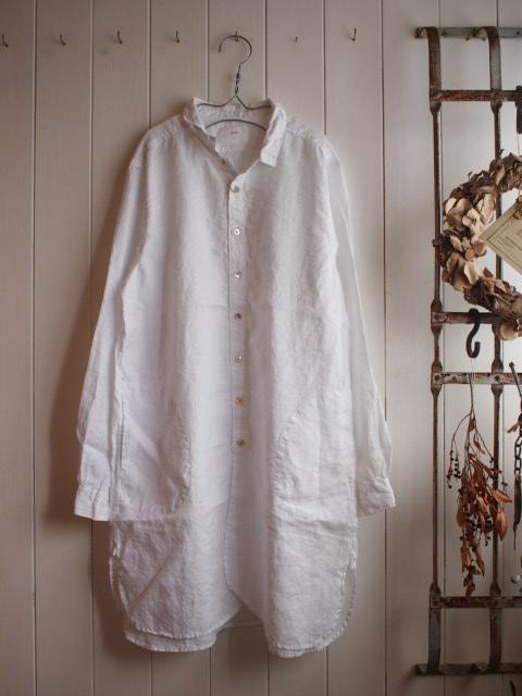 ホーローと・・・フレンチリネンロングシャツ。_a0164280_15352514.jpg