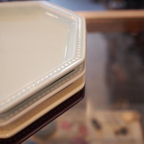 お皿とストールとタンクトップと・・・本日のoneday cafe。_a0164280_14424123.jpg