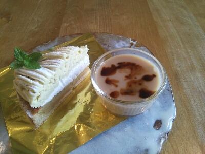 カフェのケーキ_e0170128_13453366.jpg