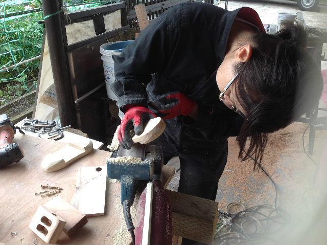 ギターも作っちゃいます。木工女子部_f0031037_2024722.jpg