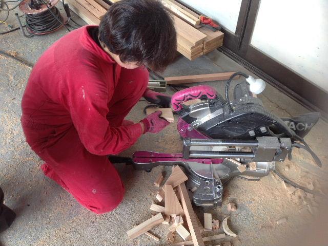 ギターも作っちゃいます。木工女子部_f0031037_204623.jpg