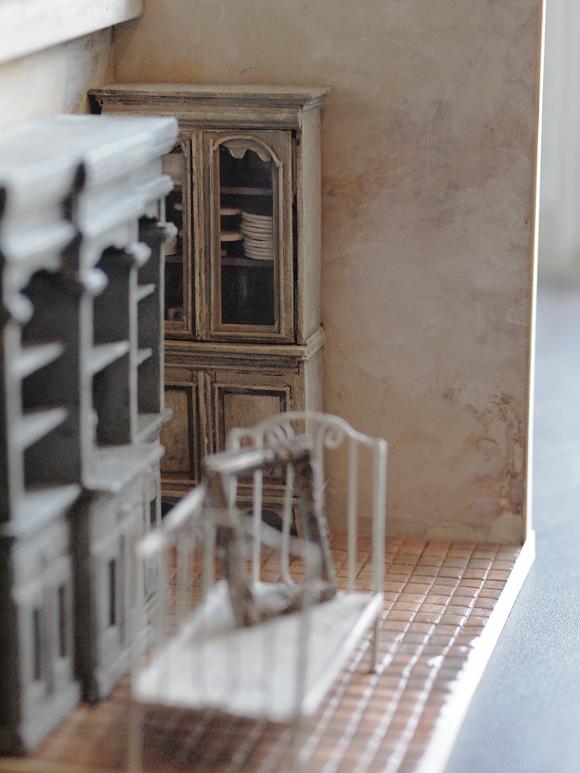 miniature* BROCANTE 、窓枠完成_e0172847_17381640.jpg