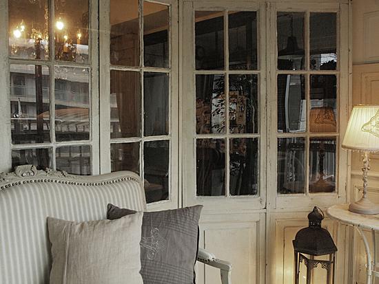 miniature* BROCANTE 、窓枠完成_e0172847_17382946.jpg