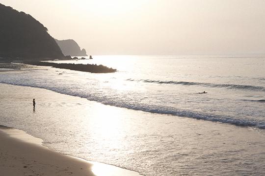 鳴き砂の浜辺_d0159062_21111078.jpg