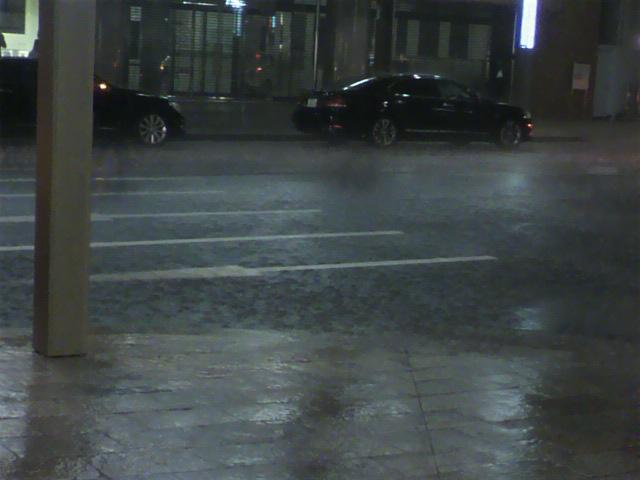 雷雨 来た!!!!!_d0062076_19363161.jpg