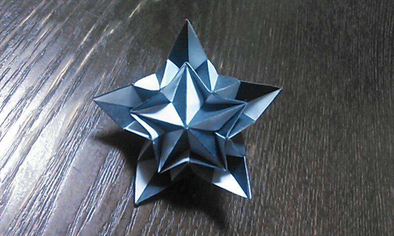 折り紙とペンローズタイル_a0180787_23045352.jpg