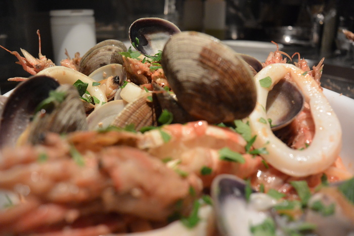 『ペスカトーレ!!』まさに魚屋さんのパスタ料理ですから。&5月23日(金)のランチメニュー_d0243849_031597.jpg