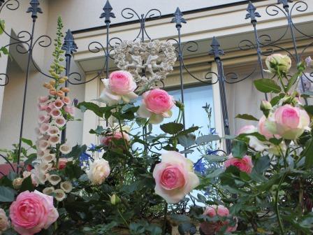 お花いっぱいで癒されています_a0243064_07305298.jpg