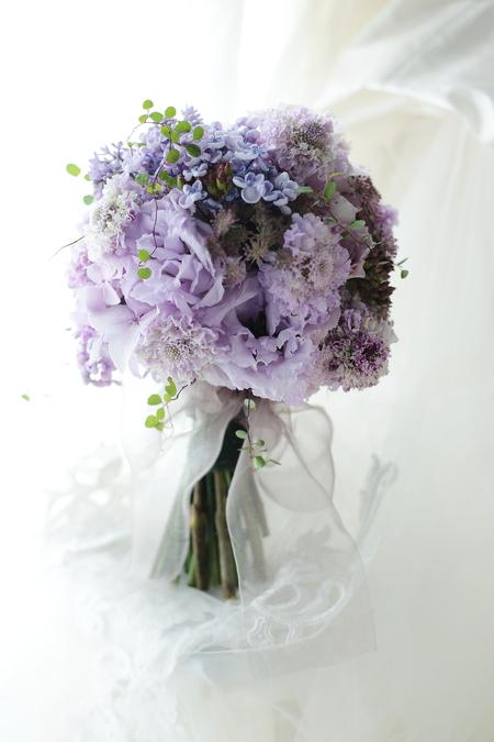 クラッチブーケ 紫のライラックとアジサイで  黎明_a0042928_21473388.jpg