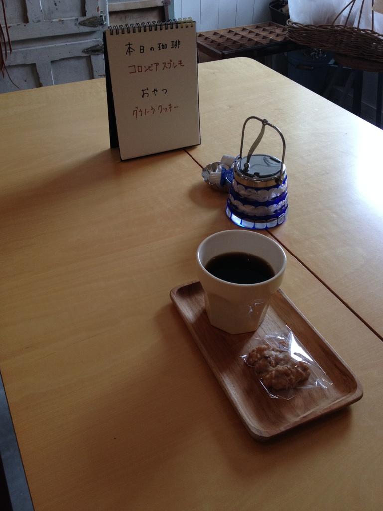 お皿とストールとタンクトップと・・・本日のoneday cafe。_a0164280_1531897.jpg