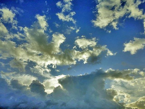 雲と虹とスーパーはしご_e0133780_18332465.jpg