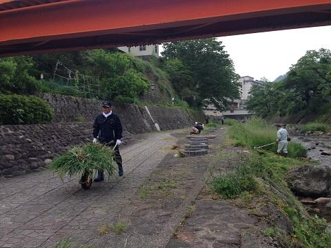 /// 春来川の美化作業に参加し、綺麗になりました /// _f0112434_23294751.jpg