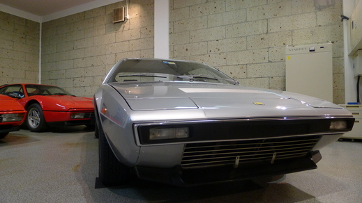 フェラーリと呼べるフェラーリだけを_a0129711_1613359.jpg