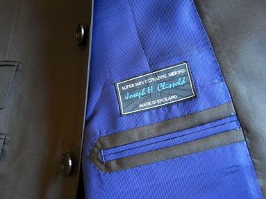 平成生まれもクラシックスタイルがお好き・・!? 「岩手のスーツ」ください! 編_c0177259_22554814.jpg