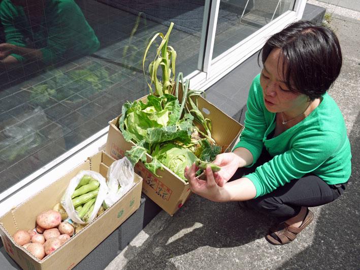 長い根っこのタマネギなどが東京ビッグサイトに登場_c0014967_2311487.jpg
