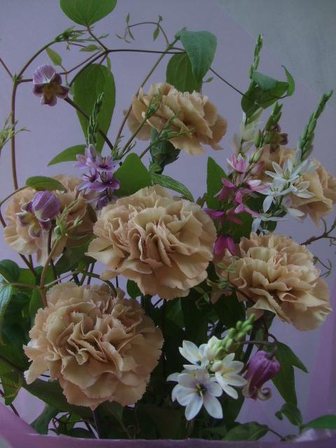 オークリーフ(母の日に贈る花束)_f0049672_1414815.jpg