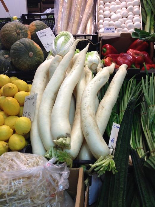 26/05/2014  市場で手に入るアジア野菜_a0136671_0122179.jpg