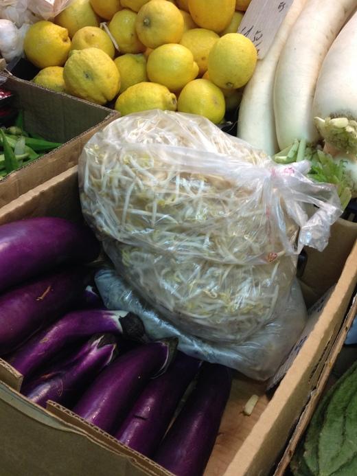 26/05/2014  市場で手に入るアジア野菜_a0136671_0255092.jpg