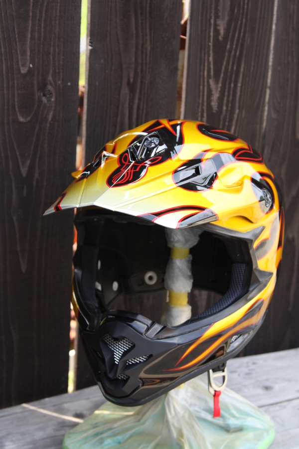 Helmet paint_d0074074_1655625.jpg
