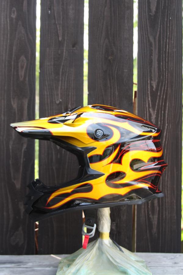 Helmet paint_d0074074_16616.jpg