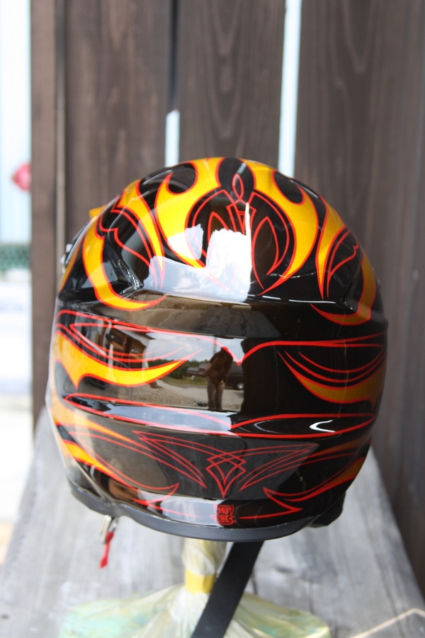 Helmet paint_d0074074_16620100.jpg