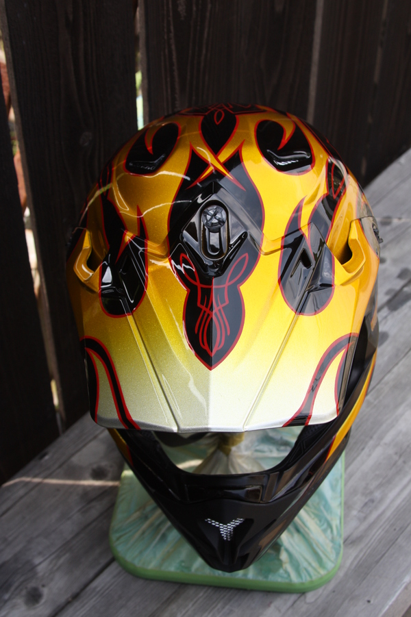 Helmet paint_d0074074_166711.jpg