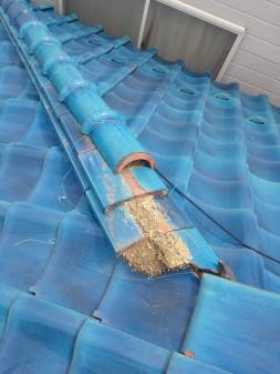 練馬区の西大泉で瓦屋根修理_c0223192_1843282.jpg