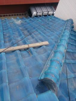 練馬区の西大泉で瓦屋根修理_c0223192_1845256.jpg