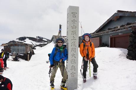 """2014年5月 『富士山大滑降』 May 2014 \""""Ski in Mt Fuji\""""_c0219616_171347.jpg"""