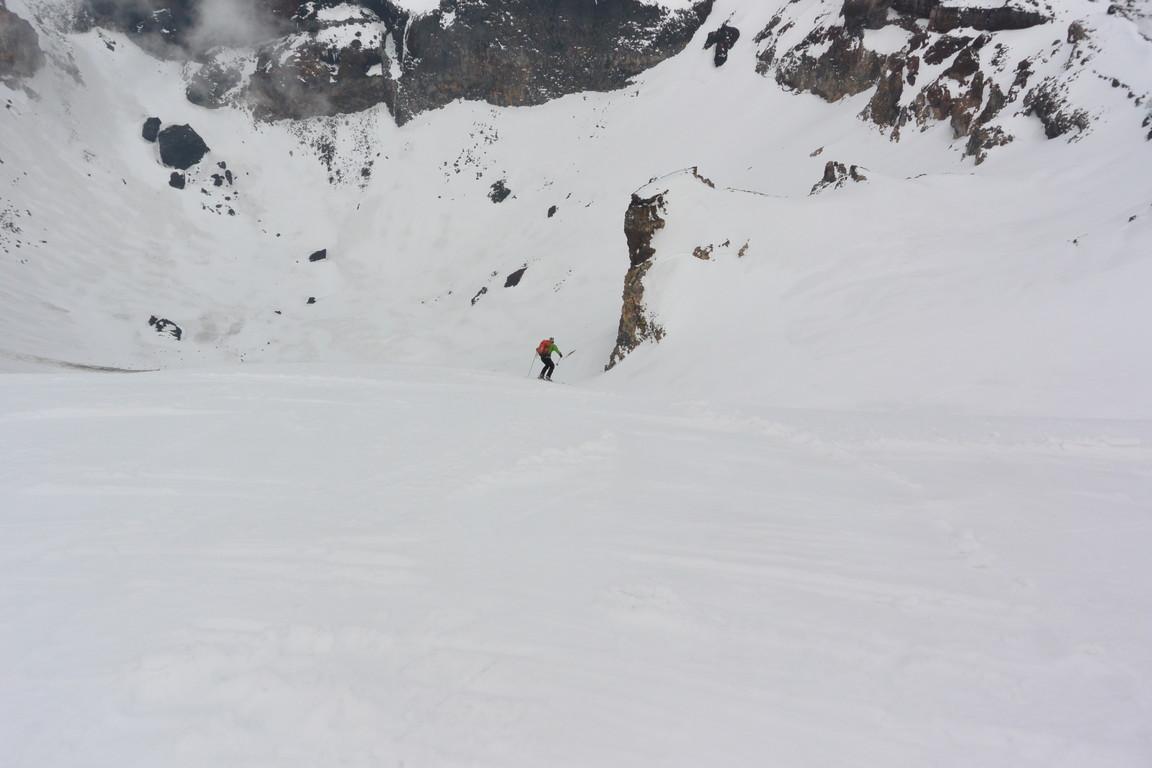 """2014年5月 『富士山大滑降』 May 2014 \""""Ski in Mt Fuji\""""_c0219616_17263921.jpg"""