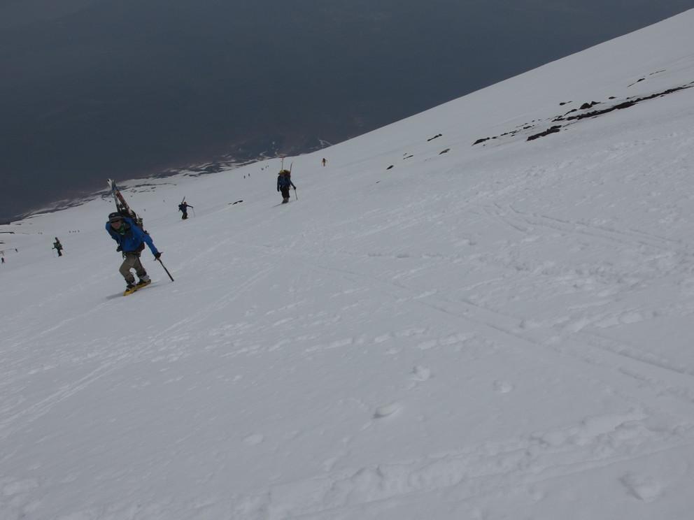 """2014年5月 『富士山大滑降』 May 2014 \""""Ski in Mt Fuji\""""_c0219616_188121.jpg"""