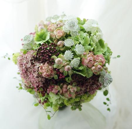 初夏のブーケ 実ものと秋色ラディッシュというバラで_a0042928_22541244.jpg