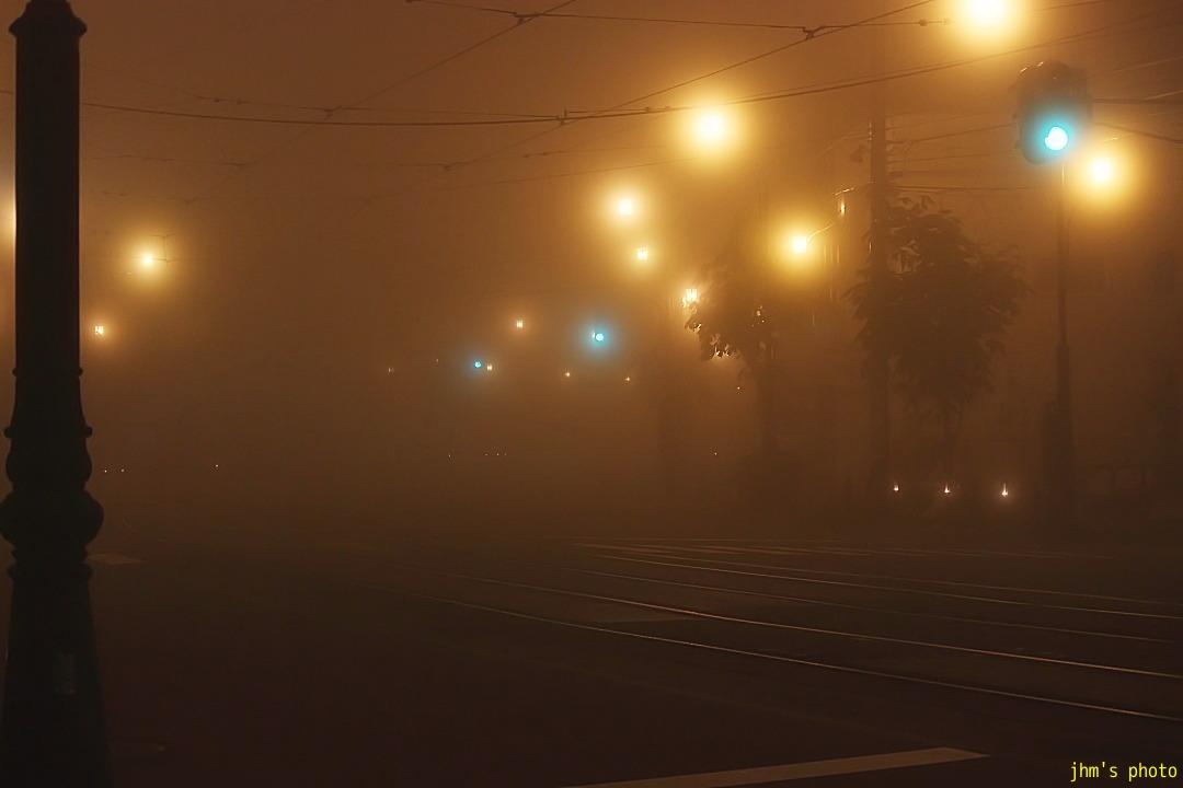 幻想的な夜霧の西部地区_a0158797_20374364.jpg