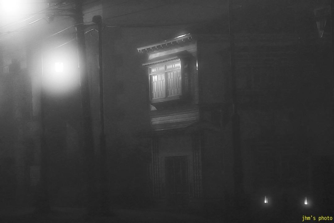 幻想的な夜霧の西部地区_a0158797_2041952.jpg