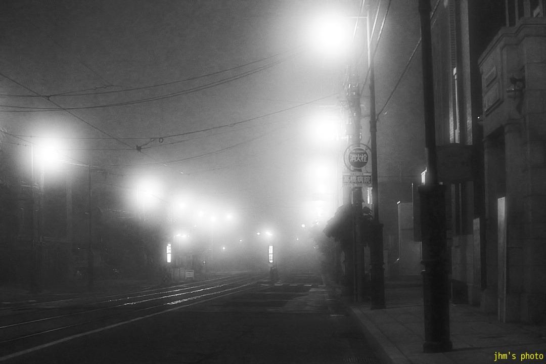幻想的な夜霧の西部地区_a0158797_20422381.jpg