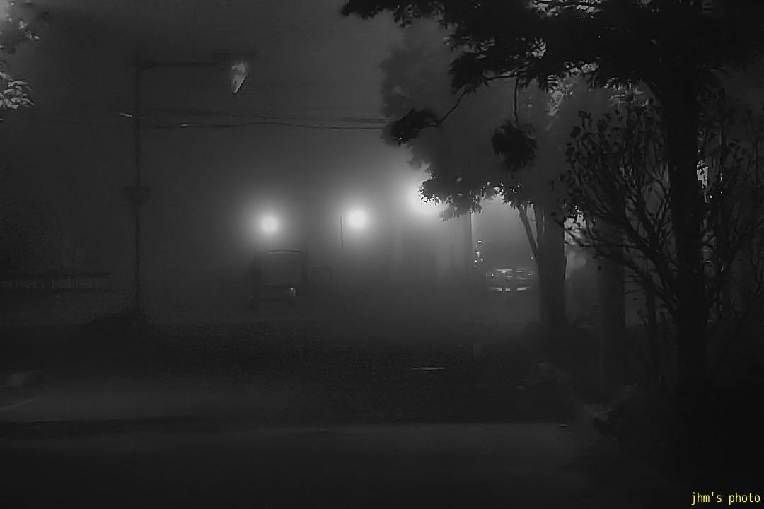 幻想的な夜霧の西部地区_a0158797_20464082.jpg