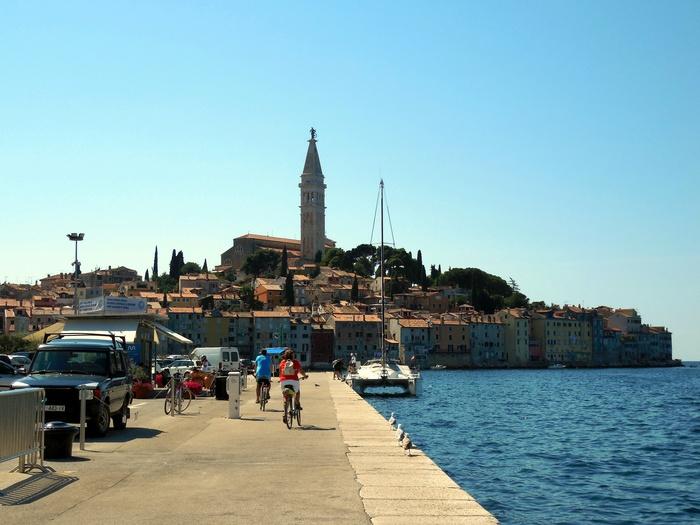 クロアチアの港町ロヴィニ_d0116009_1327473.jpg
