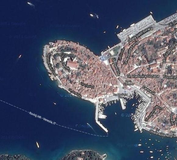 クロアチアの港町ロヴィニ_d0116009_13311646.jpg