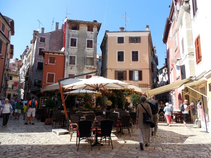 クロアチアの港町ロヴィニ_d0116009_13383713.jpg