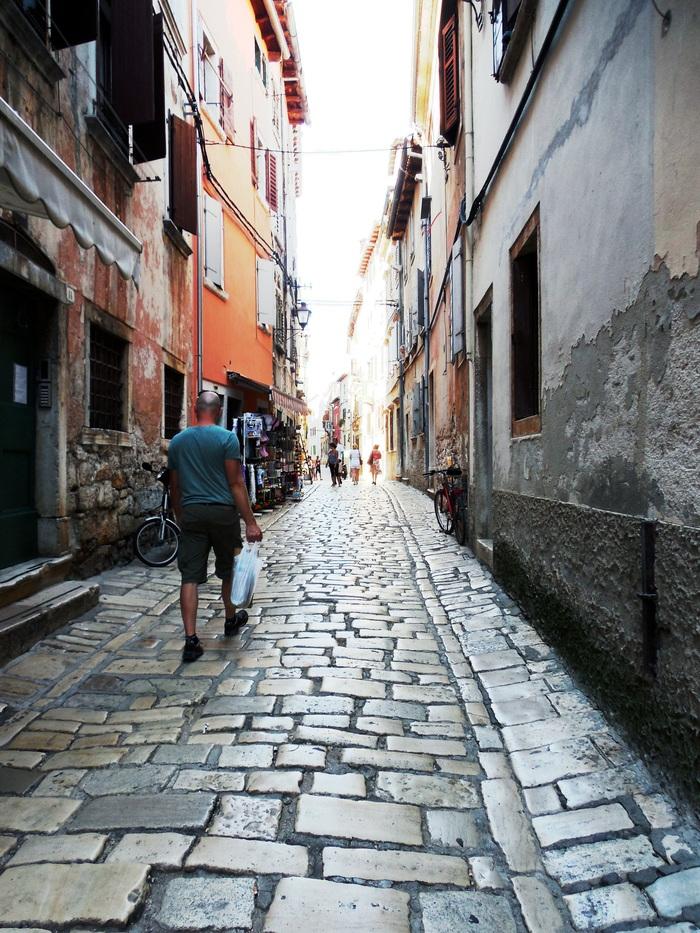 クロアチアの港町ロヴィニ_d0116009_13395694.jpg