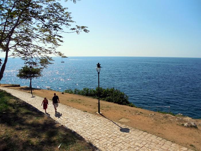 クロアチアの港町ロヴィニ_d0116009_13454138.jpg
