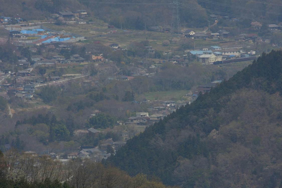 山の向こうに薄い煙を上げる汽車が見えた - 2014年春・秩父 -  _b0190710_6564141.jpg