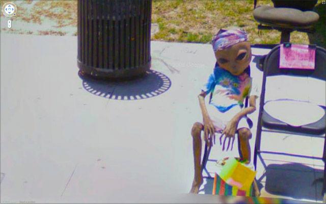ちょっと怖い!?グーグルストリートビュー:UFOも写るんです!?_e0171614_13124748.jpg