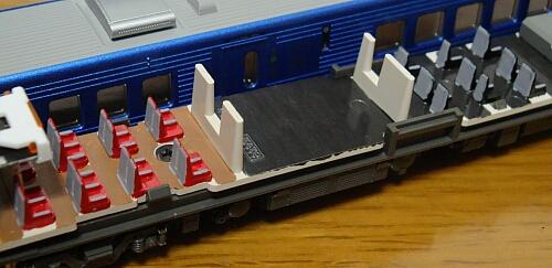 カトー 883系「ソニック」リニューアル車の車内加工_f0037227_2331249.jpg